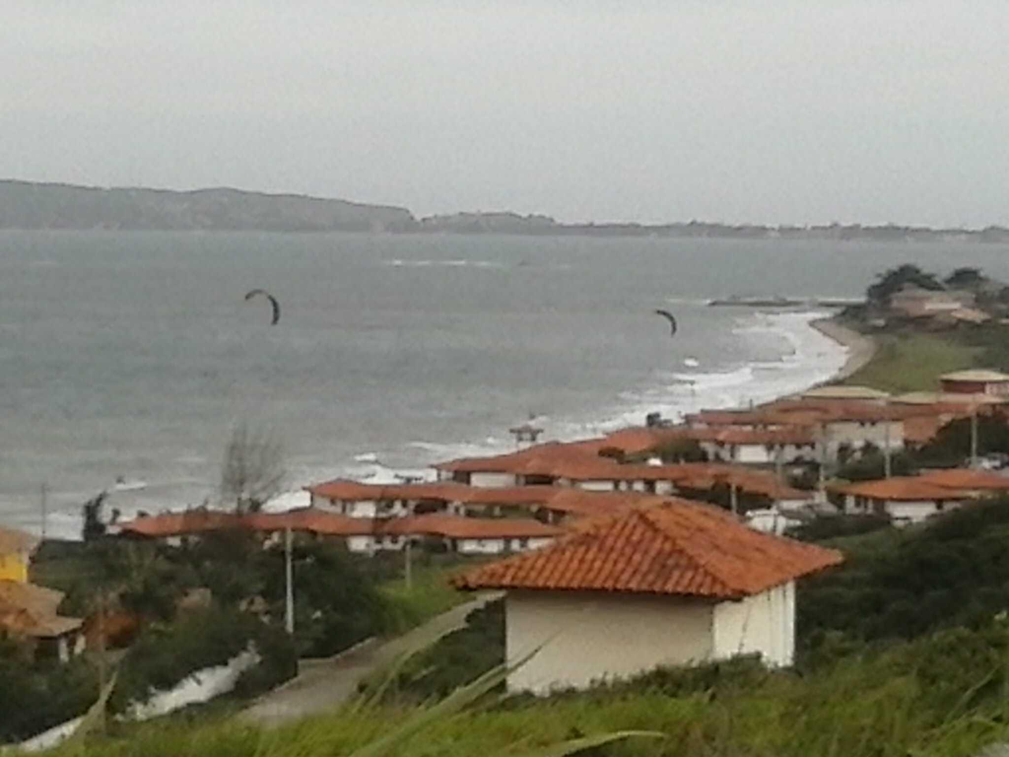 Brincando com o kite surf