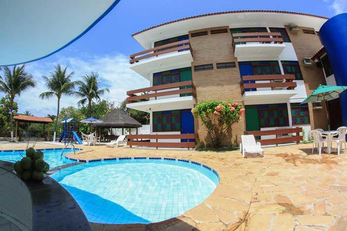 O Hotel Rio Mar localiza-se estrategicamente entre o rio Niquim e a praia mais procurada pelos turistas de todo mundo.