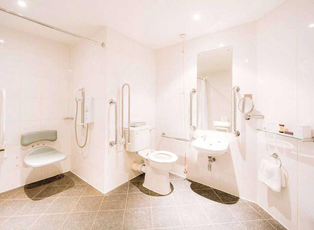 Casa de banho acessível para cadeiras de rodas